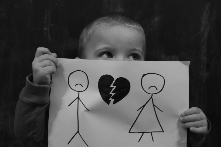 umawiać się z kimś, kto się nie rozwiedli